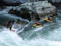 二段滝サーフィン挑戦!適した波を利用して、サーフィン=波乗りにも挑戦してみましょう!