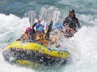 国内最大の激流コースで豪快な水遊びを楽しもう!