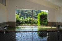 ラフティングの後は地元の人々にも人気がある美肌効果の高い不動温泉への入浴