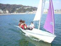 インストラクターの操船で快適セーリング!!潮風を肌で感じ・波音を聞き、ヨットの爽快さを楽しんでください。