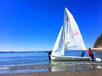 青い海とヨット、潮風と波音を聞きながらヨットを満喫!!