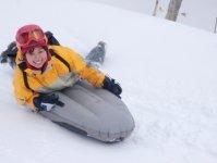 雪面に近い目線でスピード感を楽しめる、迫力満点のアクティビティ!