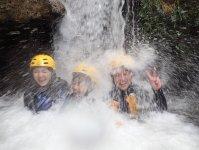 ≪白濁急流クライミング≫ クライマックスはこんな滝が連続して現れます