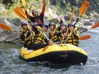 シーズンを通して水量が安定している多摩川で爽快ラフティング! ◆小学1年生から参加OKです!