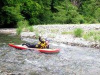 湖に流れ込む川の流れを利用してアクティブに遊ぼう!
