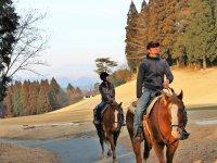 阿蘇山や外輪山を望む「パノラマコース」でのんびりお散歩。