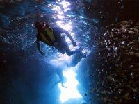 宮古島版「青の洞窟」を楽しむボートシュノーケリングも人気!