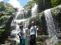 迫力ある滝を見に行こう!