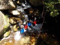 木漏れ日さす川で水遊び!