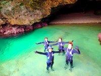 青の洞窟は絶対に押さえておきたいポイント!
