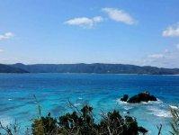 エメラルドブルーに輝く奄美の海