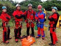 洞窟探検のプロフェッショナルと大冒険をしよう!