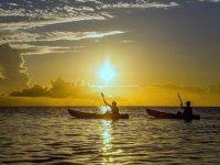 海に沈む夕日を眺めるサンセットコースあり!