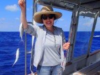 透き通ったエメラルドブルーの海が広がる石垣島で、楽しくフィッシング!