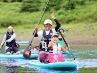穏やかな湖なので、小さなお子様でも安心して参加できます。