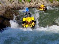 ボード、手、フィンを使って川を下ろう!