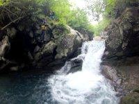 布部川は水量も多く水もとってもきれい!キャニオニングにうってつけのポイントです!