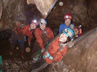 ケイビング・洞窟探検(鍾乳洞)