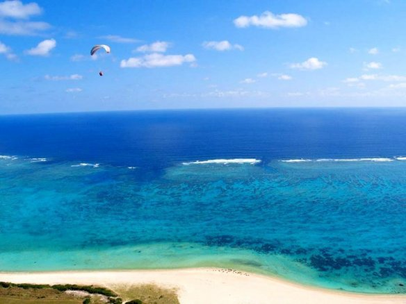 石垣島 モーターパラグライダー