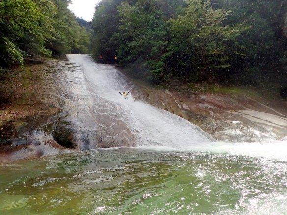 滑床渓谷 キャニオニング