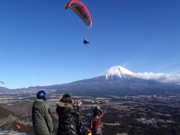 景色最高!高度差は300m、絶景の場所から飛び立ちます。【タンデムフライト】