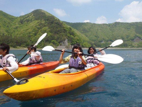 カヌーに初めて乗られる方もOK!ツアー前に基本操作の練習があるから安心して楽しめます。