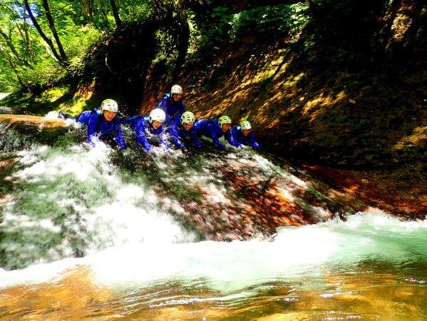 透明度抜群の川で思いっきり遊び尽くそう!