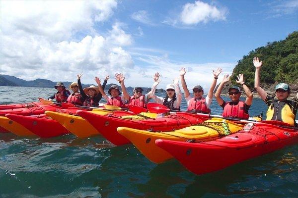 抜群の景観と水質を誇る《湯浅・すはら海岸》で、本格シーカヤックツーリングを楽しもう!