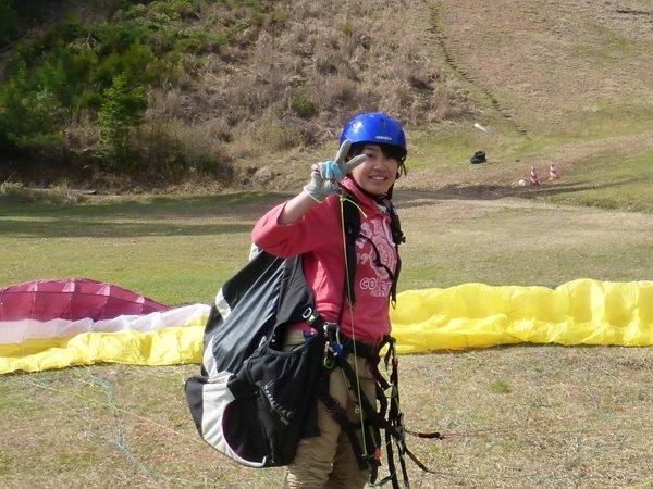 全くの初心者の方が楽しむことが出来るパラグライダー体験!