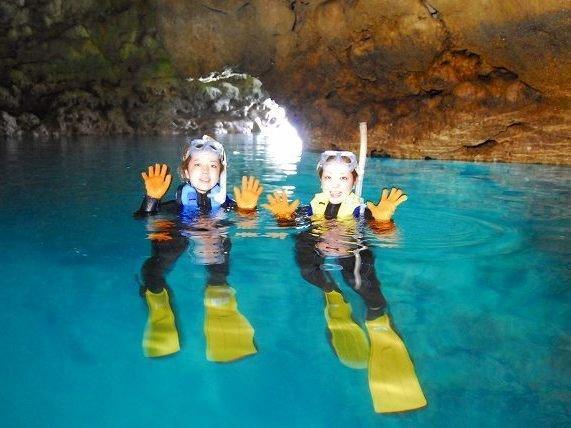沖縄本島/真栄田岬・青の洞窟 シュノーケリング