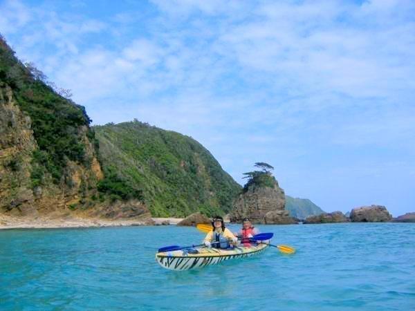 ジュゴンが生息する海域は、沖縄の原風景のたたずまいにあふれています。《東海岸・嘉陽エリア》