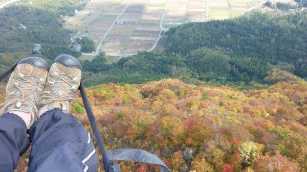 秋の紅葉時期には上空から紅葉を眺めることが出来ます。