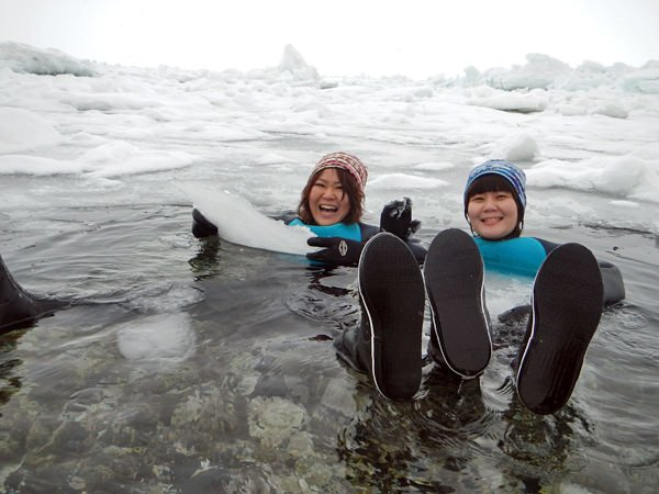 【冬の知床一日ツアー】流氷の海にぷかぷか。知床ならではの体験をしてみませんか。