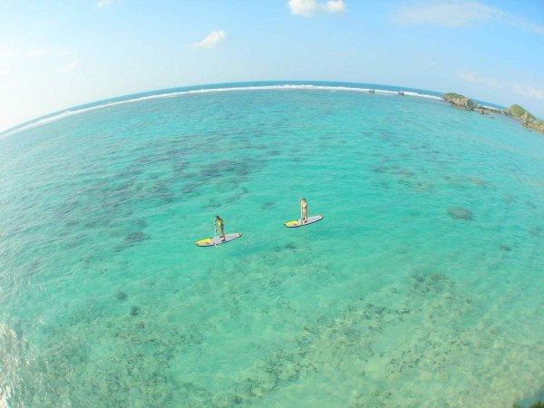 開放感あるエメラルドグリーンの海!