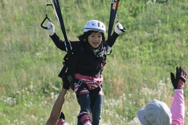 体験者の半数はお子様連れのファミリー参加です!多くのお子様が空の世界を楽しんでいます。(※2歳から参加可)