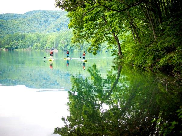 透明度抜群!青木湖でSUPを楽しもう!