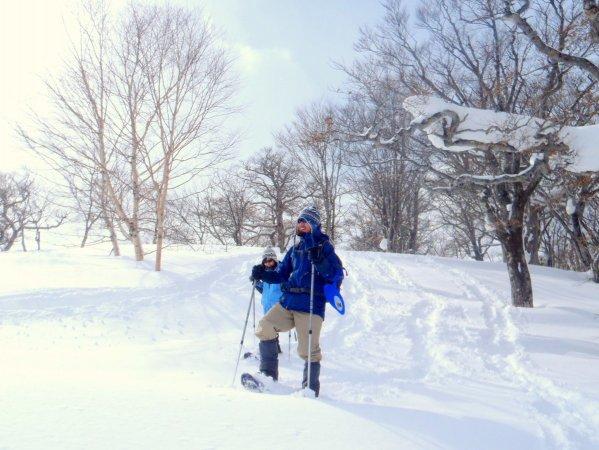アクティブに雪遊びを楽しみたい方に!スノーシューダウンヒルコース
