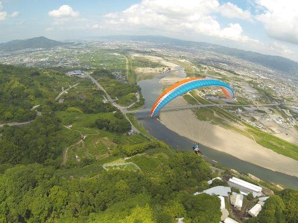 上空かから見る紀の 川はとっても綺麗ですよ〜!