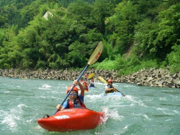 全くの初心者も2日目には川下りが楽しめるオススメのコースもあり!信州を代表する河川・犀川でリバーツーリング!!