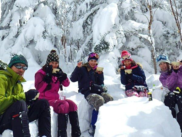 雪景色の中でのあたたかランチは格別!