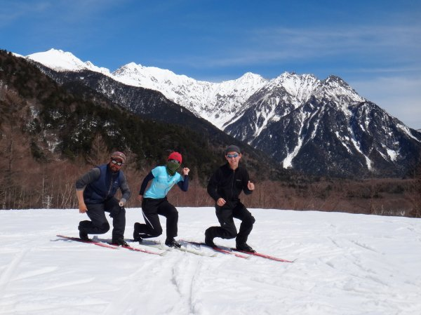 上高地では、穂高連峰・焼岳など北アルプスの名峰の展望が楽しめます。