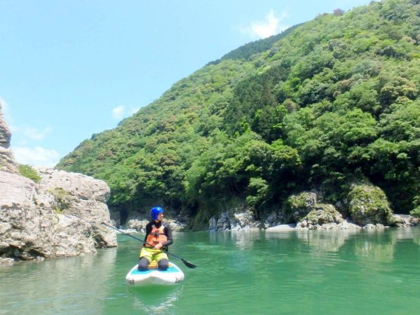 豊かな自然が広がる吉野川がツアーの舞台