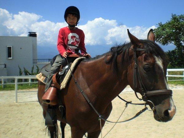 小学4年生から騎乗することができます!