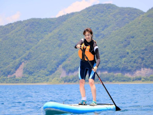 山梨県にある本栖湖へは東京から車で約2時間。日帰りでSUPツアーをお楽しみください!
