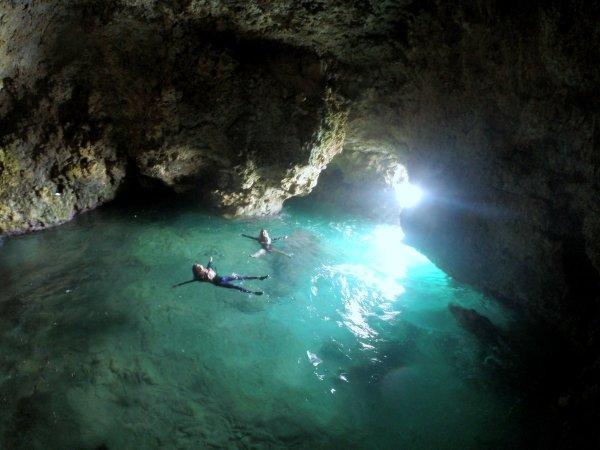 洞窟へ入ってみよう!