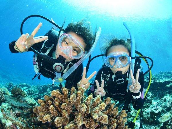 半日コースでは、本島から一番近い慶良間諸島チービシ付近で体験ダイビング!