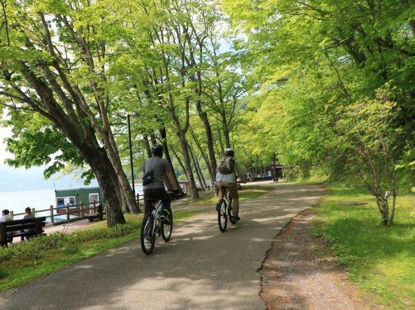 支笏湖畔をのんびりサイクリング!