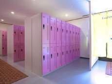 モダンで清潔な施設!個室のホットシャワーで快適!