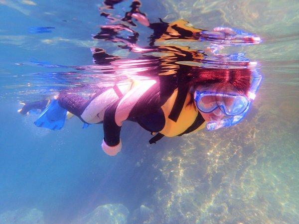 水中メガネをつけて、水中の世界をのぞいてみよう♪