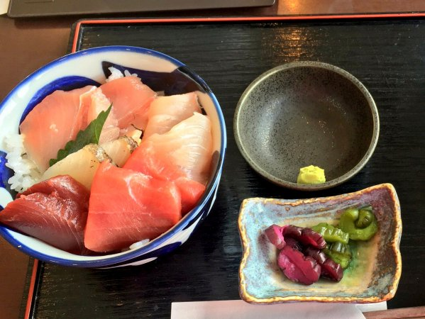 1dayコースは瀬戸内自慢のマグロが入った海鮮丼ランチ付き!